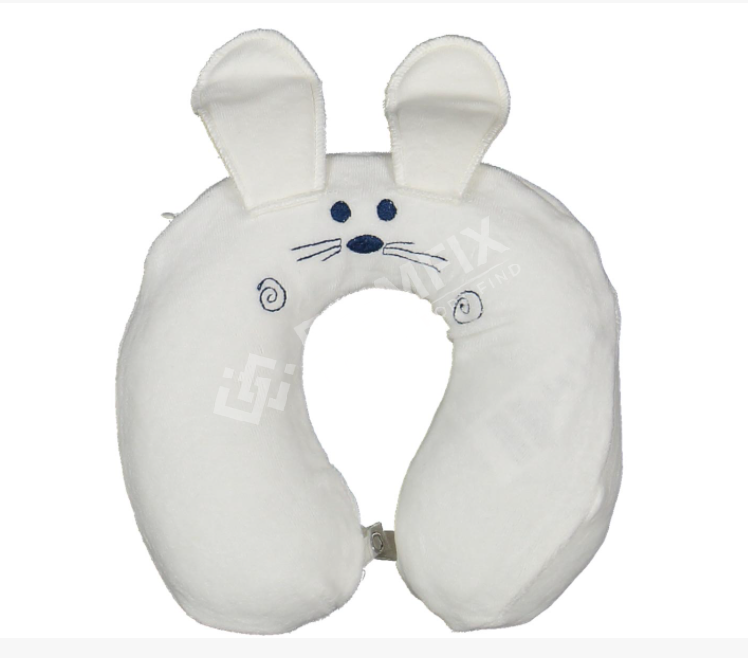 NECK PROTECTOR WITH BEAR FIGURE