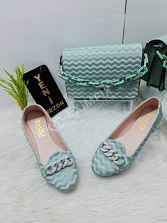 Wholesale Chain Detailed Shoe and Bag Set